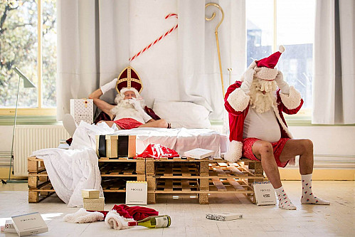 Pockies - Sinterklaas en Kerstman delen bed